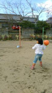 ボール投げ1